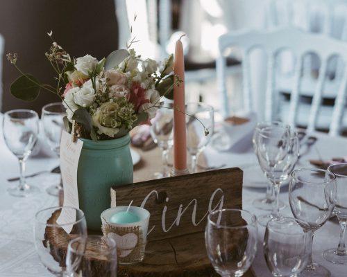Numero-de-table-en-bois-decoration-mariage-studio-aloki.jpg